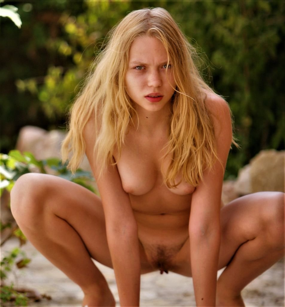 young-blonde-polly-a-3-953x1024